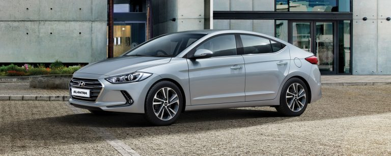 ad_2016_elantra__ext_hero_2000x8001